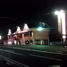 【飲食店~施工事例~】大阪府東大阪市のダイニングカフェ。 照明設置で店舗の存在感がアップ。
