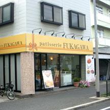 【飲食店~施工事例~】大阪府堺市のケーキ屋さん。 プレゼントのイメージを演出したデザインで看板掲出。